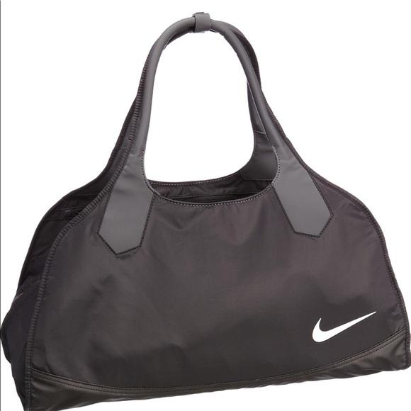 NIKE Sami 3.0 standard Club Gym Bag. M 5aa55baea44dbebf77f0ea91 0ef8517128f